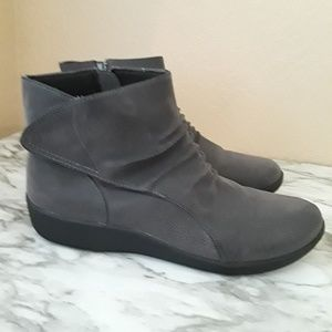 Womens Clarks Cloudsteppers